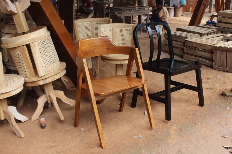 ulasan singkat sejarah furniture